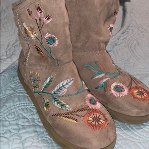 Embroidered Ugg (similar) boots